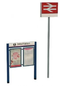 Scenecraft 47-548 Station Signage Set